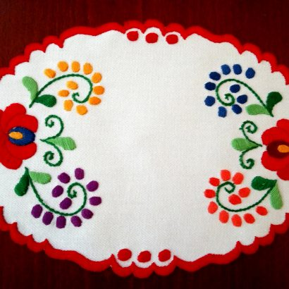 oval hungarian doily