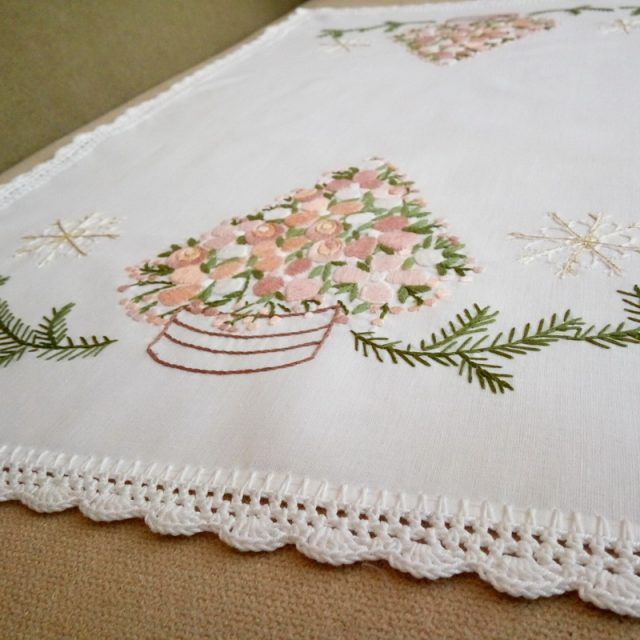 Embroideries for the holidays